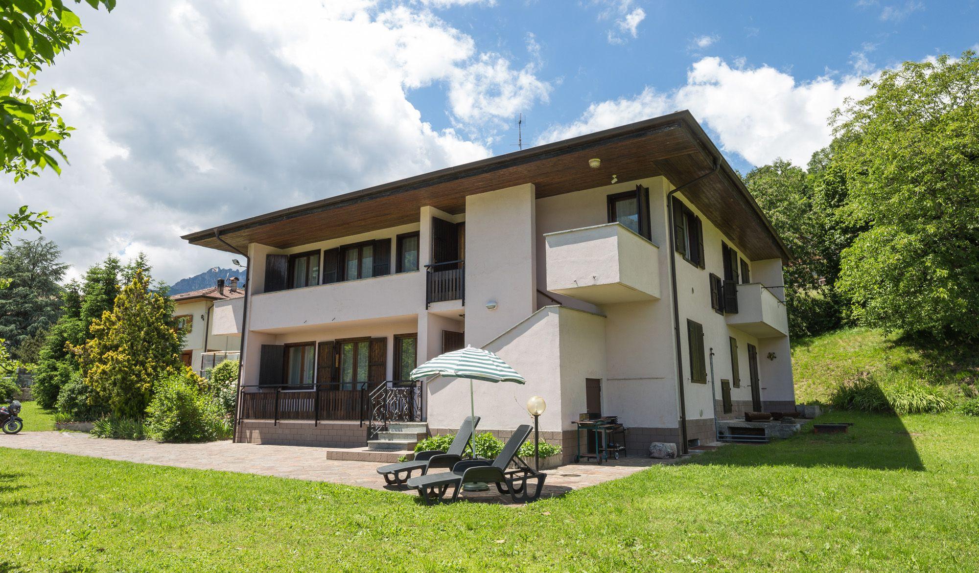 Casa babette molina di ledrogreen holiday appartamenti per - La casa di babette ...